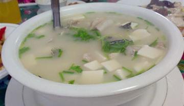 月子的补品:黑鱼豆腐汤