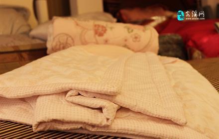 仅售99元!市场价228元的恒舒家纺店2.0米绣花空调被,低价格、高端品质、奢华享受,恒舒家纺应有尽有!